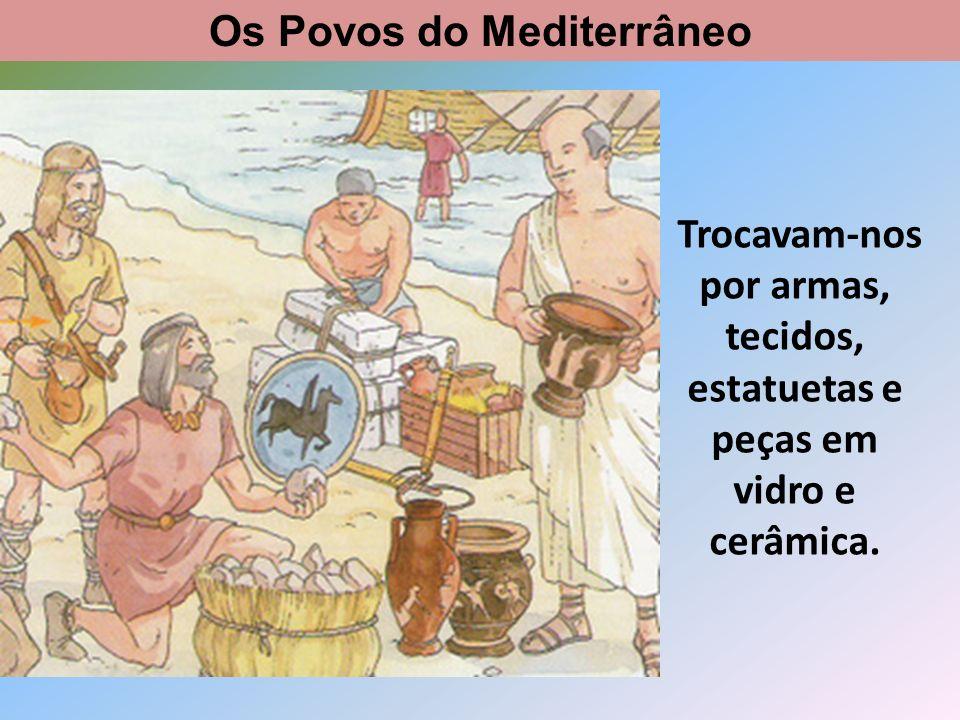 Eram povos mais evoluídos e além das mercadorias, trouxeram novos hábitos e costumes.