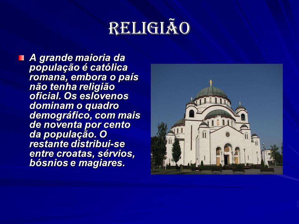 religião A grande maioria da população é católica romana, embora o país não tenha religião oficial. Os eslovenos dominam o quadro demográfico, com mai