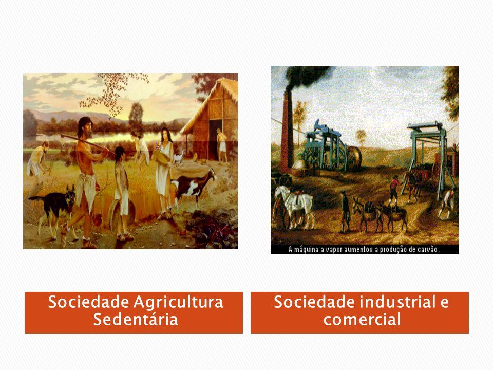 Proposta de uma sociedade igualitária através da coletivização dos meios de produção.