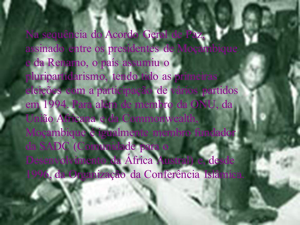 Na sequência do Acordo Geral de Paz, assinado entre os presidentes de Moçambique e da Renamo, o país assumiu o pluripartidarismo, tendo tido as primei