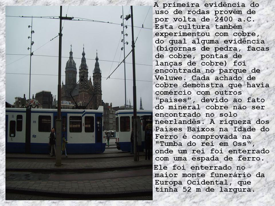 Feriados Data -- Nome em português -- Nome local -- Observações 1 de Janeiro -- Dia de Ano Novo -- Nieuwjaar.
