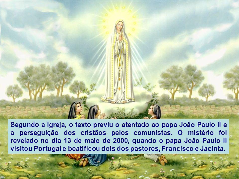 Sob os dois braços da Cruz estavam dois Anjos cada um com um regador de cristal em a mão, neles recolhiam o sangue dos Mártires e com ele regavam as a