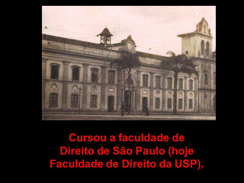 Cursou a faculdade de Direito de São Paulo (hoje Faculdade de Direito da USP).