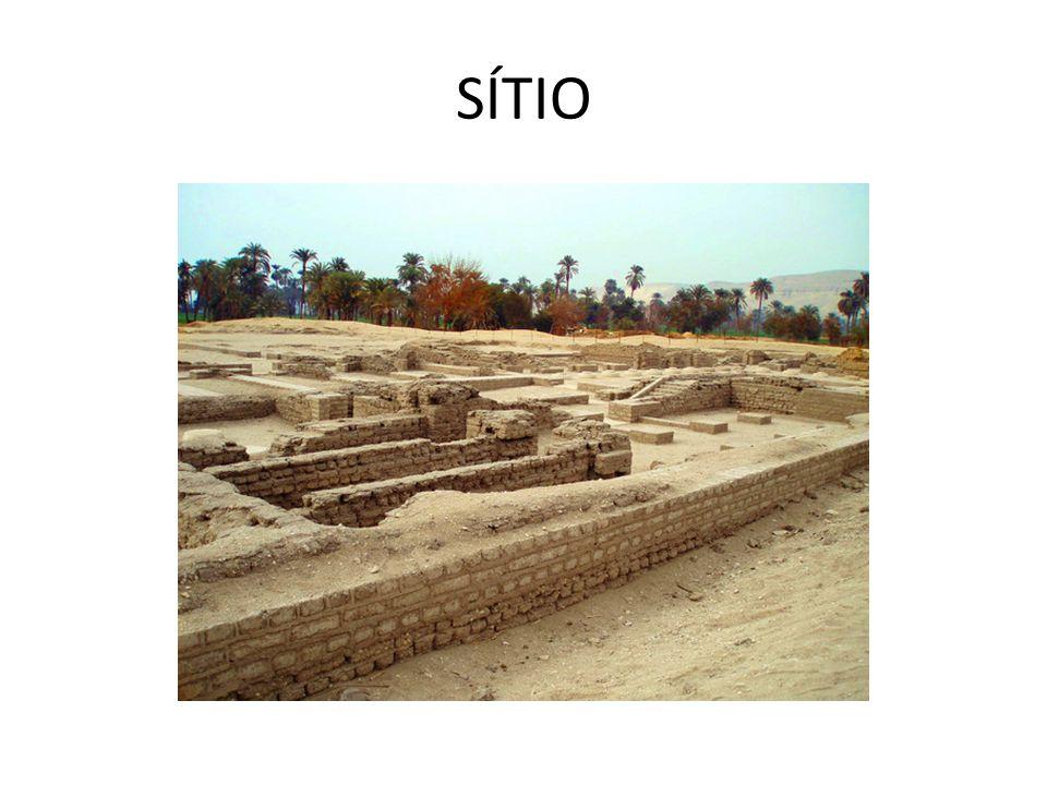 OS FARAÓS DO ÊXODO: 13o SÉC.aC Seti I (1304-1290 aC) Ramses II (1290-1224 aC)