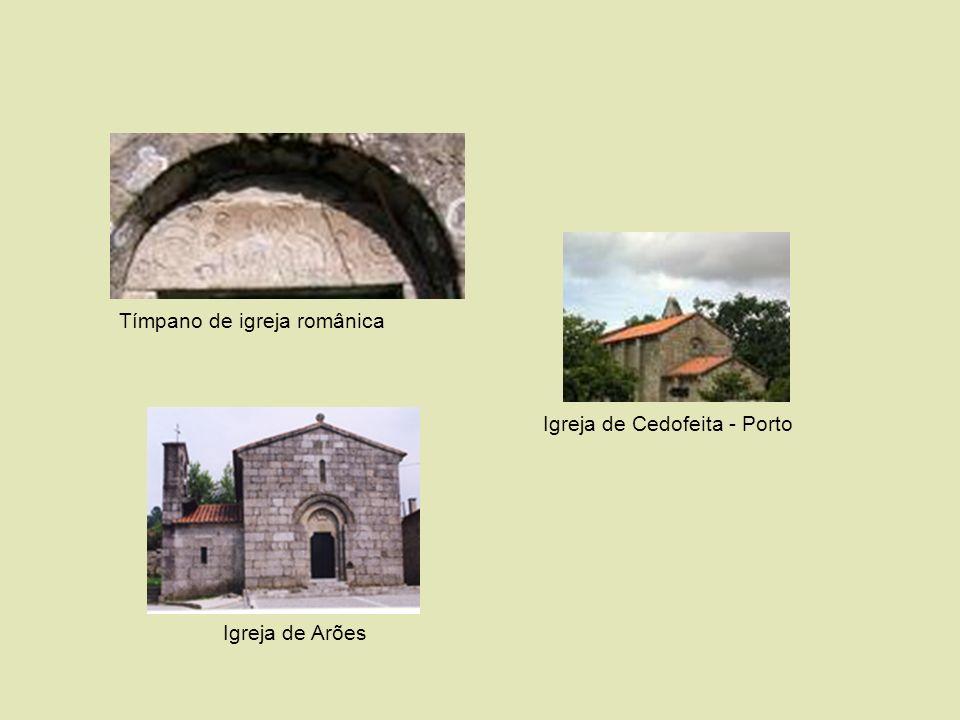 Tímpano de igreja românica Igreja de Cedofeita - Porto Igreja de Arões