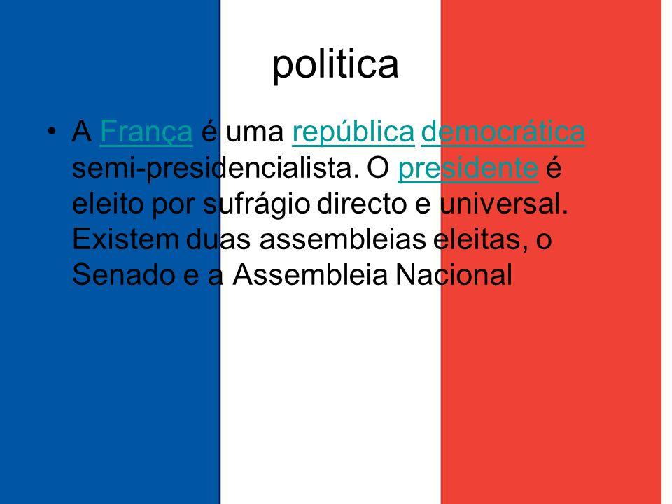 politica A França é uma república democrática semi-presidencialista. O presidente é eleito por sufrágio directo e universal. Existem duas assembleias