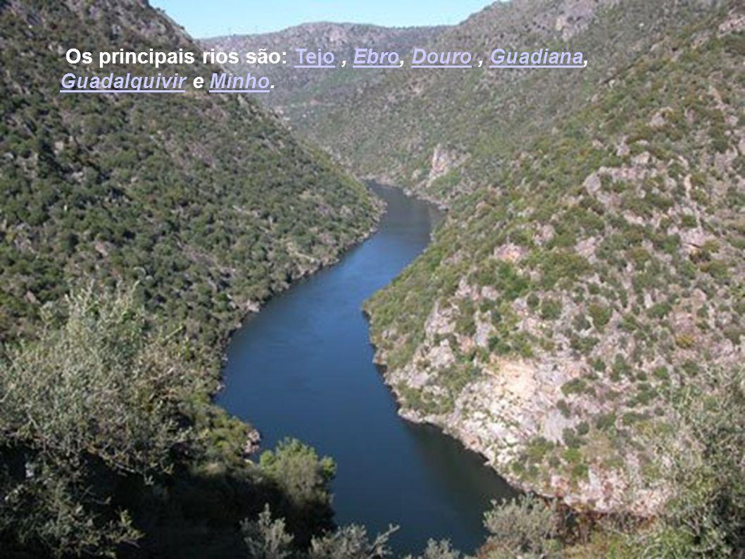 Clima: é continental no interior, mediterrânico na costa leste, sul, ilhas Baleares, Ceuta e Melilla, e oceânico no norte.continentalmediterrânicooceâ