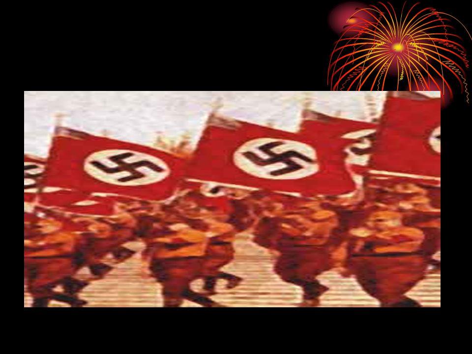 TOTALITARISMO Totalitarismo é um termo empregado pela primeira vez pelo regime fascista de Benito Mussolini, na Itália.