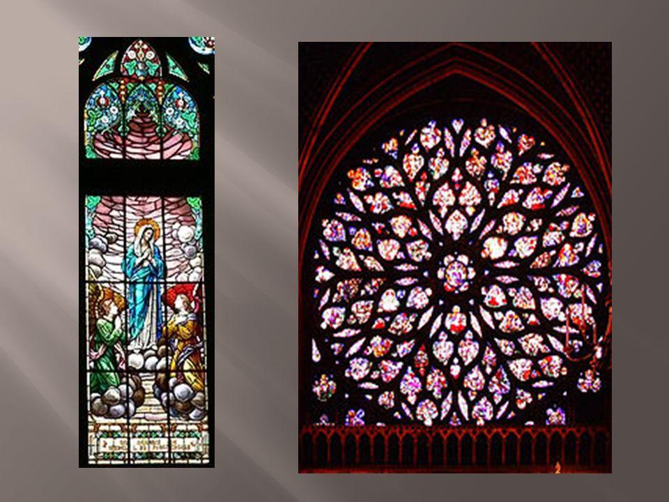A rosácea é um elemento arquitectónico ornamental usado no seu auge em catedrais durante o período gótico.