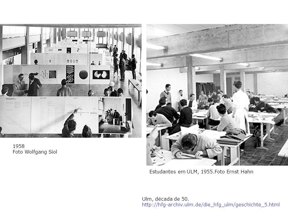 Estudantes em ULM, 1955.Foto Ernst Hahn 1958 Foto Wolfgang Siol Ulm, década de 50. http://hfg-archiv.ulm.de/die_hfg_ulm/geschichte_5.html
