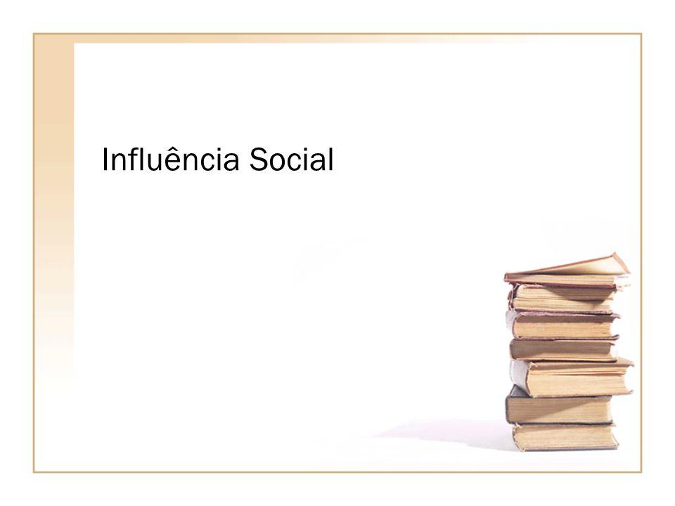 A Psicologia Social é uma tentativa para compreender e explicar como o pensamento, o sentimento e o comportamento dos indivíduos são influenciados pela presença real, imaginada ou implícita de outras pessoas.