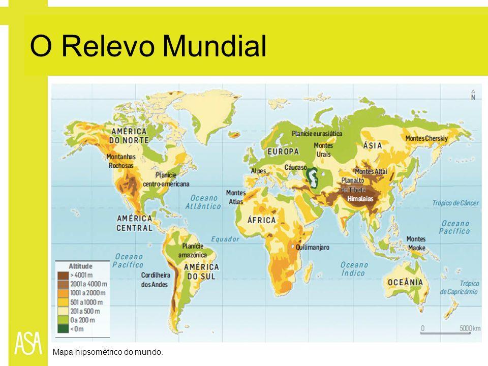 Mapa hipsométrico do mundo.