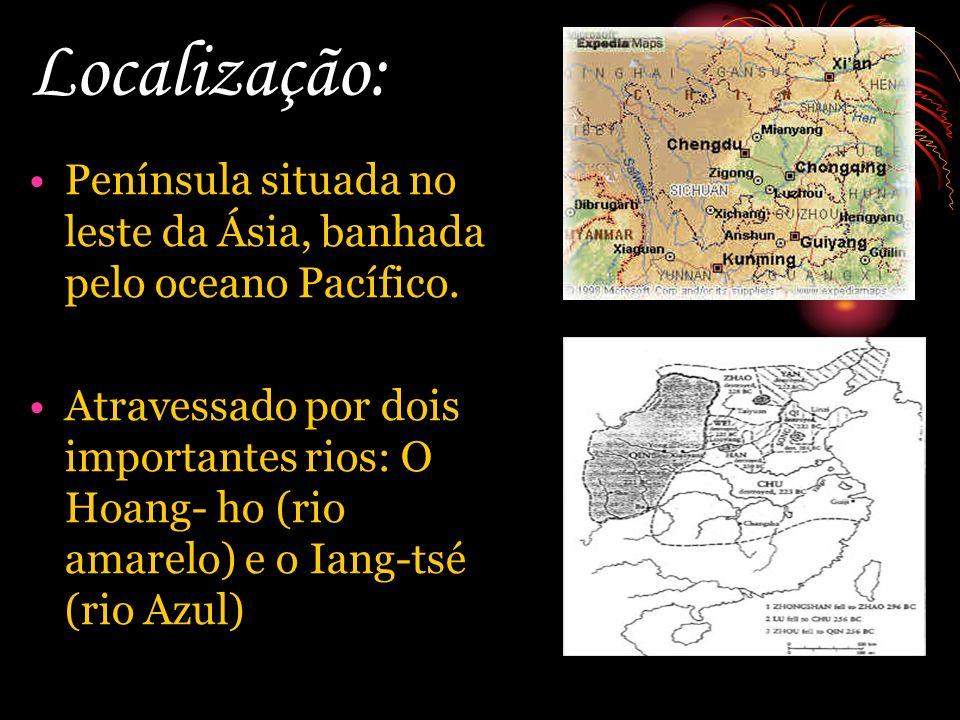 Localização: Península situada no leste da Ásia, banhada pelo oceano Pacífico. Atravessado por dois importantes rios: O Hoang- ho (rio amarelo) e o Ia