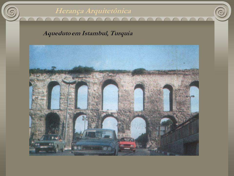 Herança Arquitetônica Aqueduto em Istambul, Turquia
