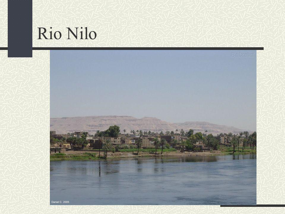 ESCRIBAS Eram os responsáveis pela escrita egípcia.