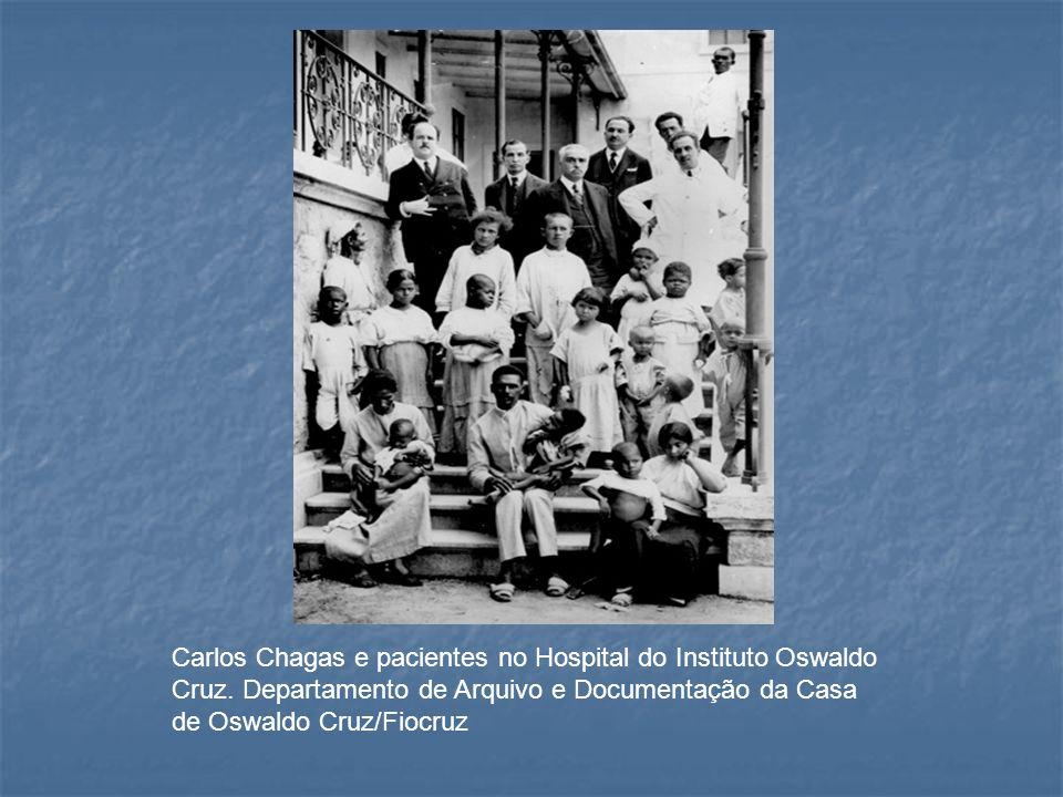 Carlos Chagas e pacientes no Hospital do Instituto Oswaldo Cruz. Departamento de Arquivo e Documentação da Casa de Oswaldo Cruz/Fiocruz
