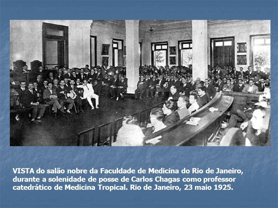 VISTA do salão nobre da Faculdade de Medicina do Rio de Janeiro, durante a solenidade de posse de Carlos Chagas como professor catedrático de Medicina