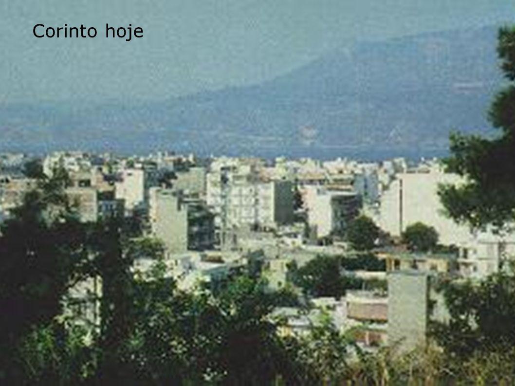 Cidade termal e turística de Loutraki, próxima a Corinto