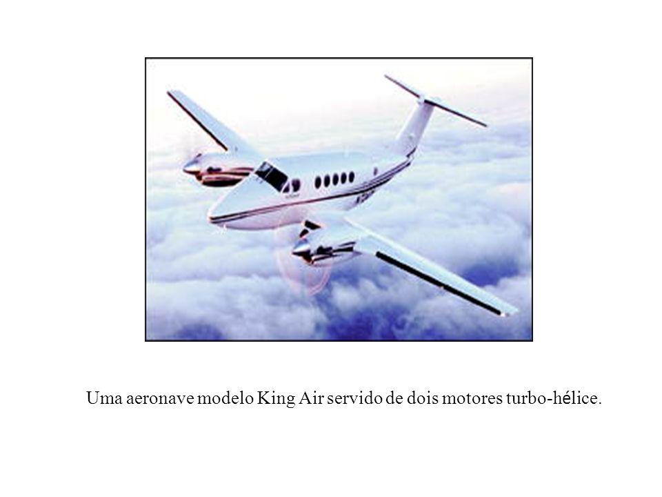 Uma aeronave modelo King Air servido de dois motores turbo-h é lice.