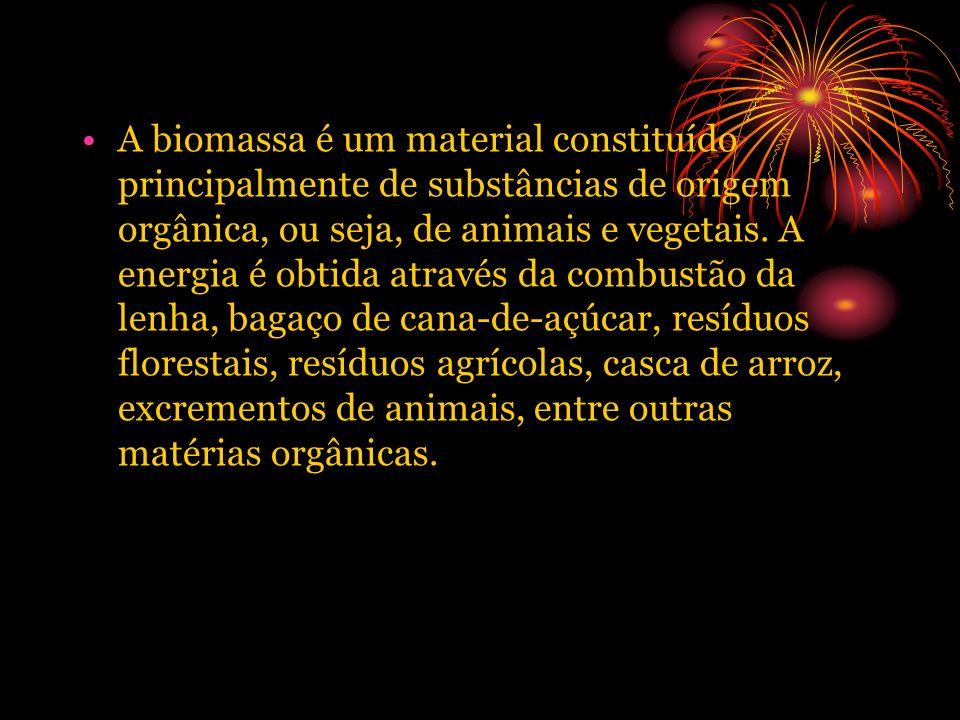 A biomassa é um material constituído principalmente de substâncias de origem orgânica, ou seja, de animais e vegetais. A energia é obtida através da c