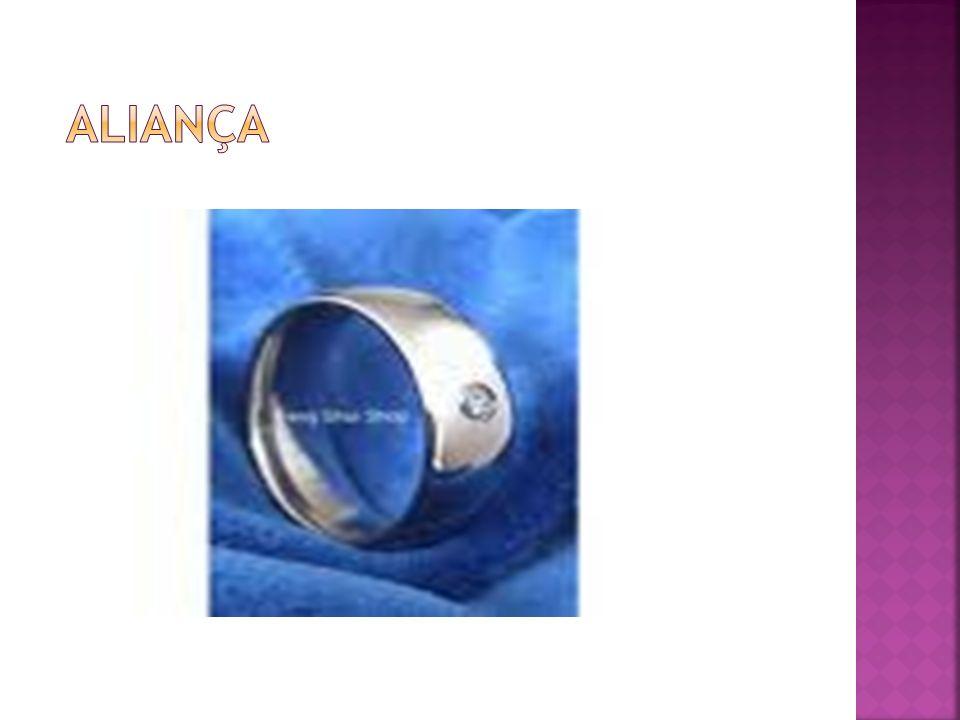 O nióbio é um metal dúctil cinza brilhante, que passa a adquirir uma coloração azulada quando em contato com o ar em temperatura ambiente após É usado principalmente em ligas de aço para a produção de tubos condutores de fluidos.