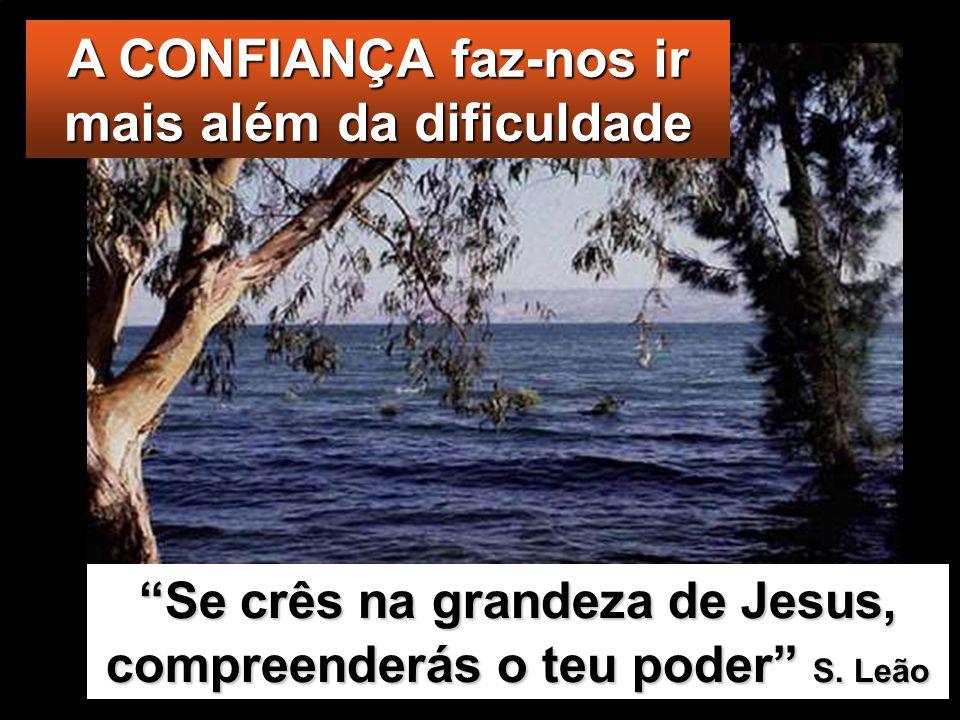 Eles acordaram-nO e dis- seram: «Mestre, não Te importas que pereçamos?» Jesus levantou-Se, falou ao vento imperiosamente e disse ao mar: «Cala-te e e