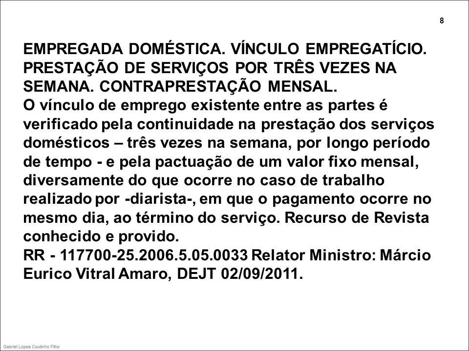 SUM-102 BANCÁRIO.CARGO DE CONFIANÇA IV - O bancário sujeito à regra do art.