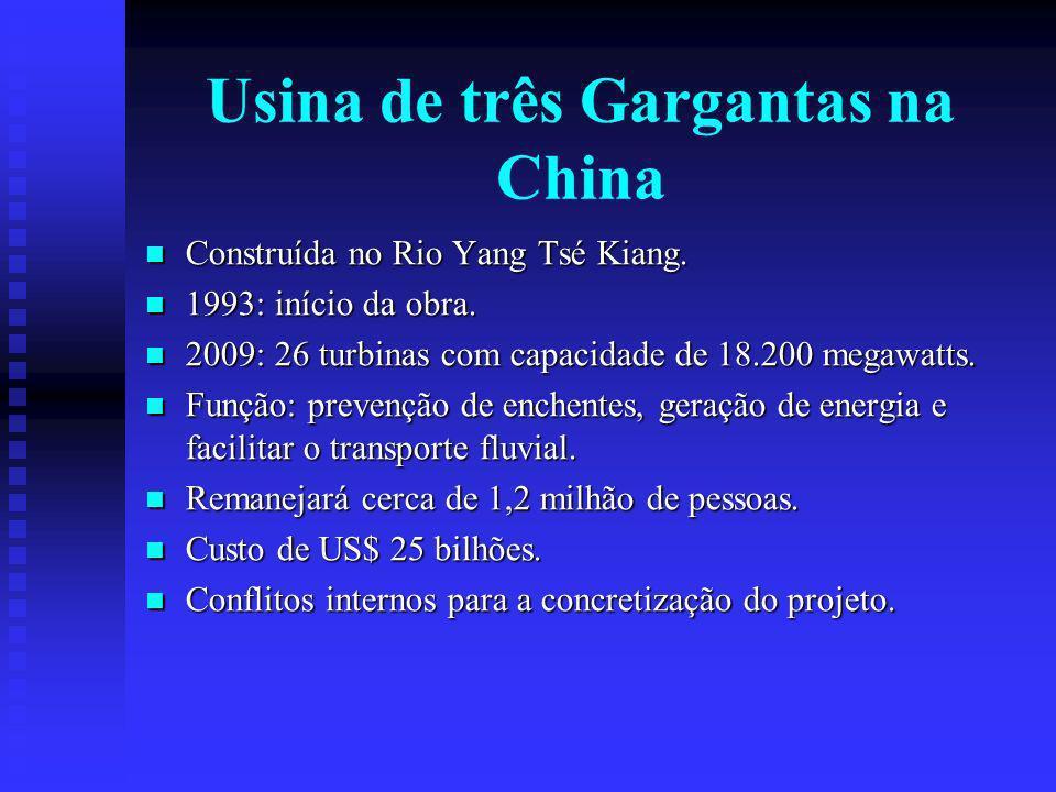 Construída no Rio Yang Tsé Kiang.Construída no Rio Yang Tsé Kiang.