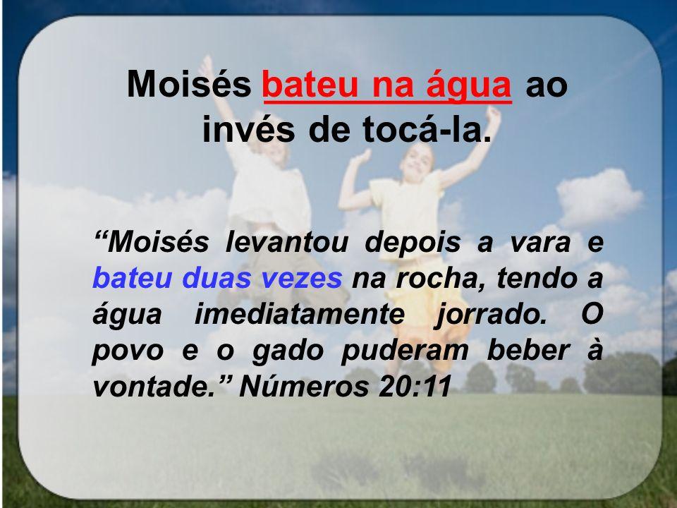 Moisés _______ as tábuas da Lei Chegando ele ao arraial e vendo o bezerro e as danças, acendeu-se- lhe a ira, e ele arremessou das mãos as tábuas, e as despedaçou ao pé do monte Ex.32:19 quebrou