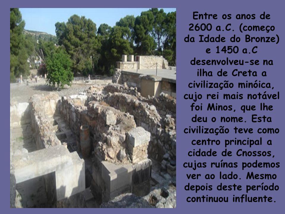 Entre os anos de 2600 a.C. (começo da Idade do Bronze) e 1450 a.C desenvolveu-se na ilha de Creta a civilização minóica, cujo rei mais notável foi Min