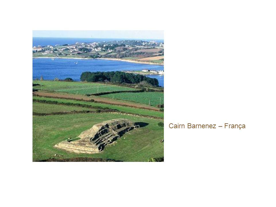 Cairn Barnenez – França