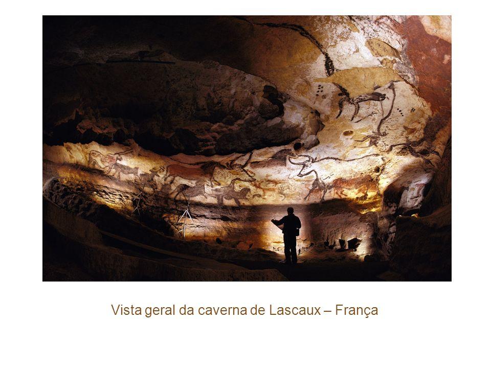 Vista geral da caverna de Lascaux – França