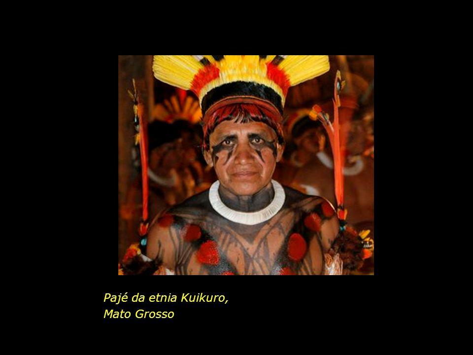 holdemqueen@hotmail.com Crianças da etnia Yawanawa, Amazonas