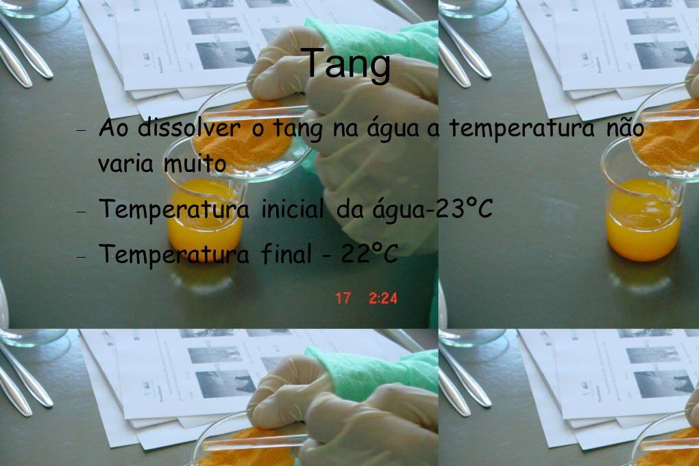 Cloreto de amónio Ao dissolver o cloreto na água a temperatura varia muito: Temperatura inicial da água-23ºC Temperatura final - 12ºC