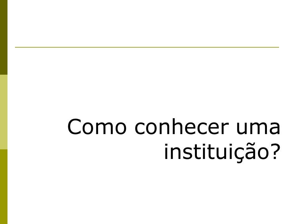 Georges Lapassade e suas contribuições à compreensão das Instituições Lapassade concebe a realidade como construção social e que se dá a partir de uma inter-relação de três níveis ou instâncias: 1) o grupo; 2) a organização; 3) o Estado.