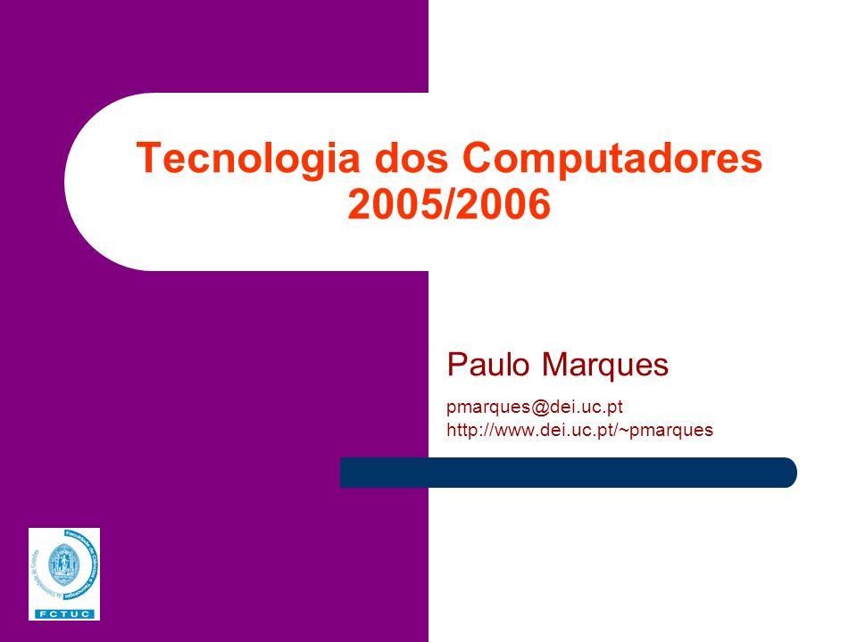 TC – DEI, 2005/2006 Organização de um computador Existem três componentes principais: o CPU, a memória central e os periféricos Todos os componentes comunicam utilizando um (ou mais) BUS CPU Memória Central Periféricos Dados Endereços Controlo BUS