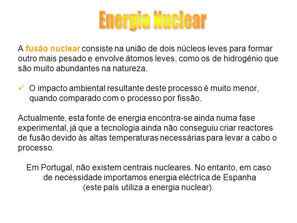 A fusão nuclear consiste na união de dois núcleos leves para formar outro mais pesado e envolve átomos leves, como os de hidrogénio que são muito abun