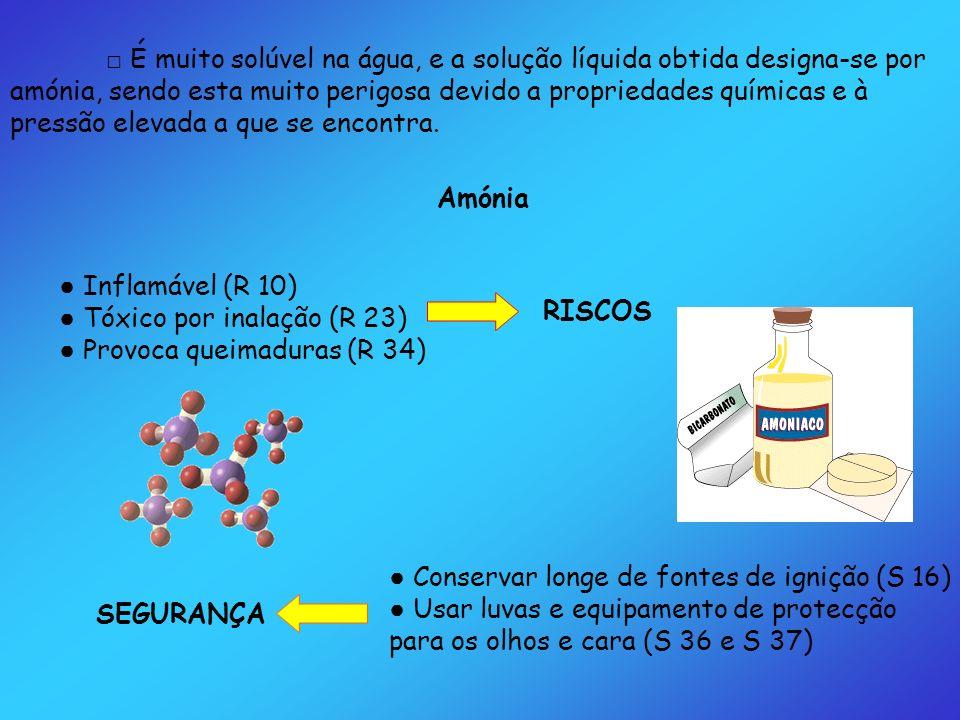 É muito solúvel na água, e a solução líquida obtida designa-se por amónia, sendo esta muito perigosa devido a propriedades químicas e à pressão elevad