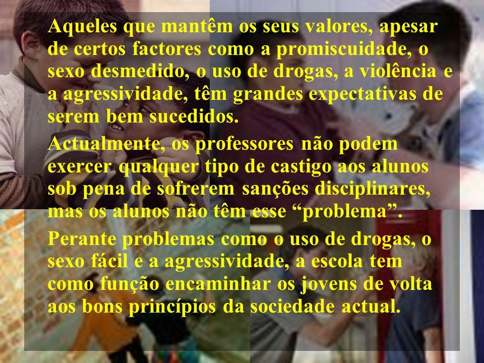 Causas da Violência A televisão é um dos meios que contém mais violência.