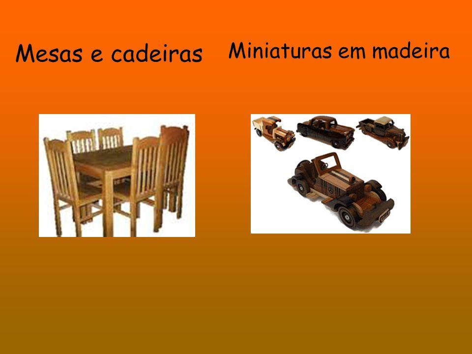 Mesas e cadeiras Miniaturas em madeira