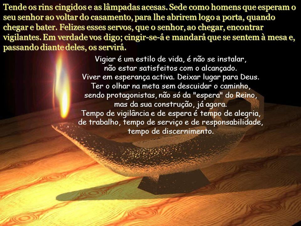 Naquele tempo, disse Jesus aos seus discípulos: Não temas, pequenino rebanho, porque aprouve ao vosso Pai dar-vos o reino.