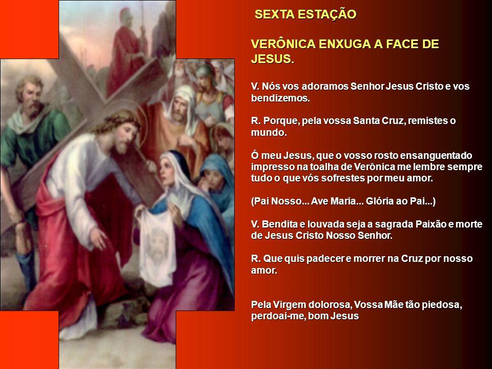 SIMÃO DE CIRENE AJUDA A JESUS A LEVAR A CRUZ. SIMÃO DE CIRENE AJUDA A JESUS A LEVAR A CRUZ. V. Nós vos adoramos Senhor Jesus Cristo e vos bendizemos.