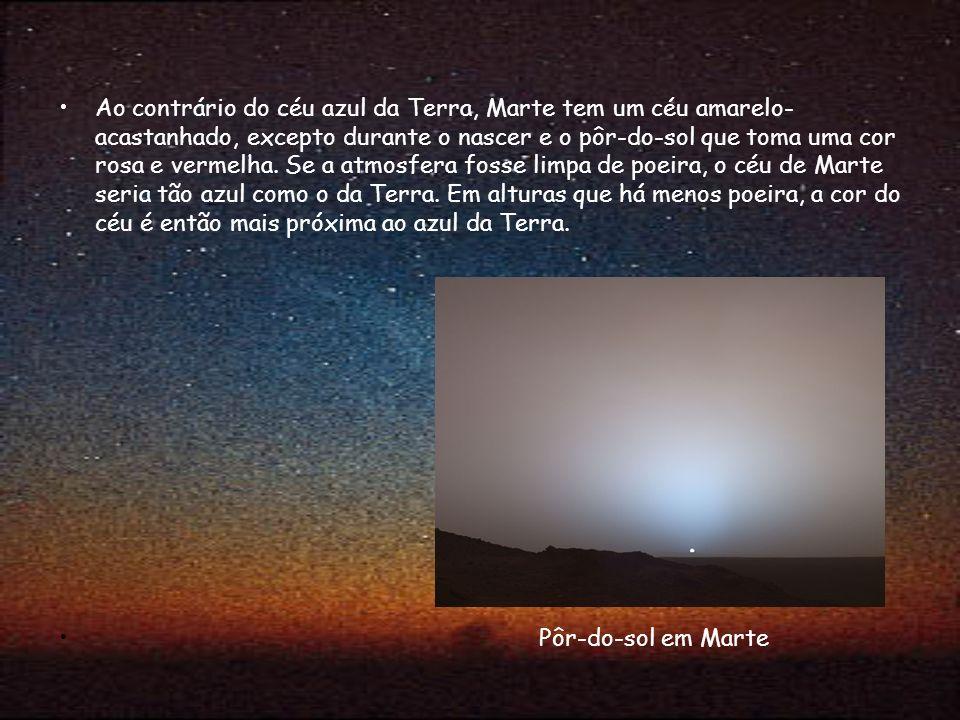 Ao contrário do céu azul da Terra, Marte tem um céu amarelo- acastanhado, excepto durante o nascer e o pôr-do-sol que toma uma cor rosa e vermelha. Se