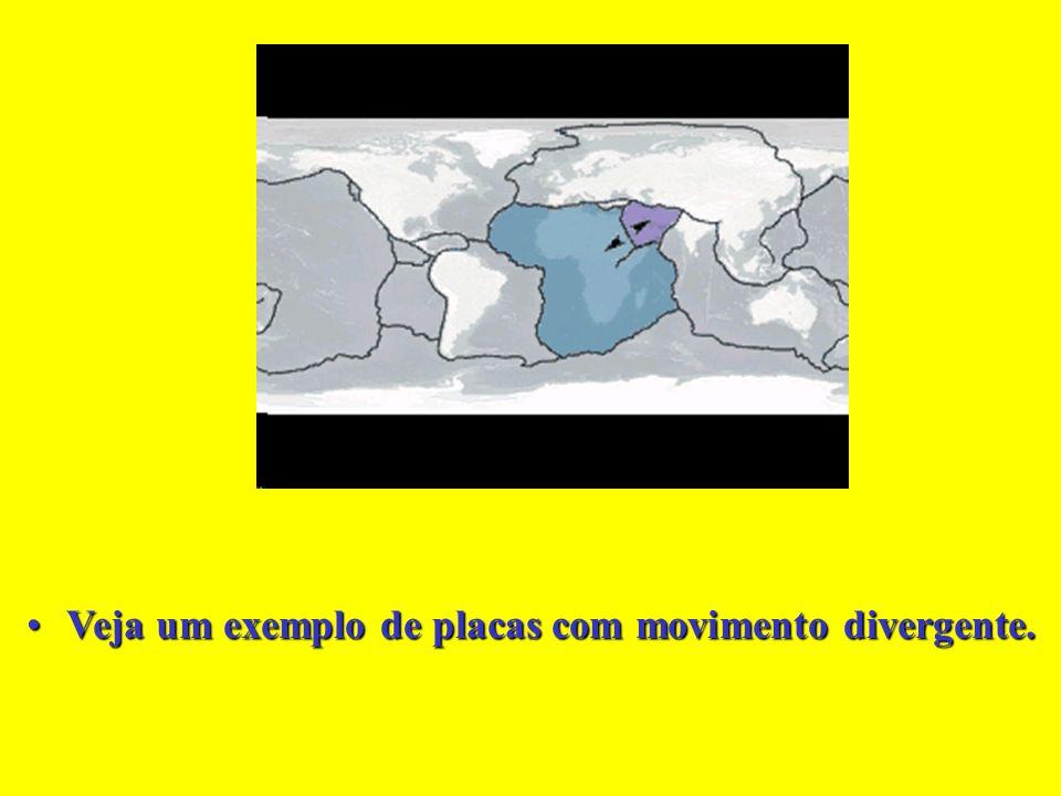 A formação da Península do Sinai está ligada ao movimento divergente entre placas.A formação da Península do Sinai está ligada ao movimento divergente