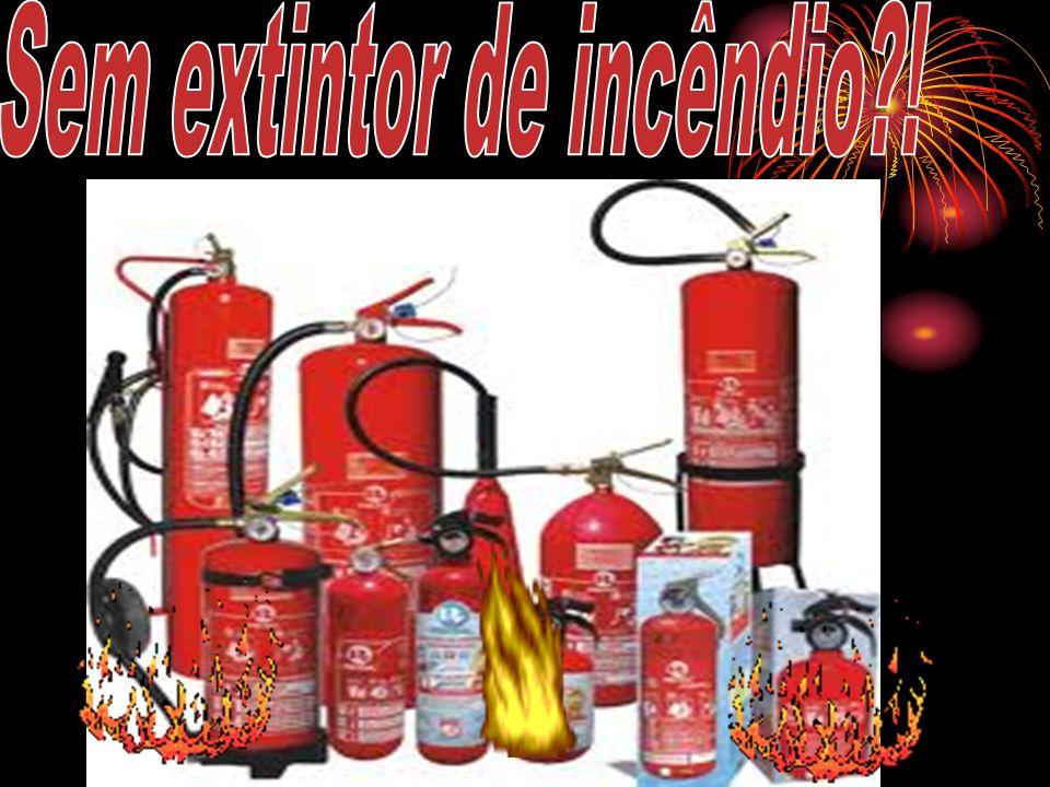 Extintor tipo C: Seu uso deve ser feito em caso de incêndio envolvendo redes elétricas e fiações, como em motores elétricos, geradores, equipamentos elétricos e eletrônicos, etc.