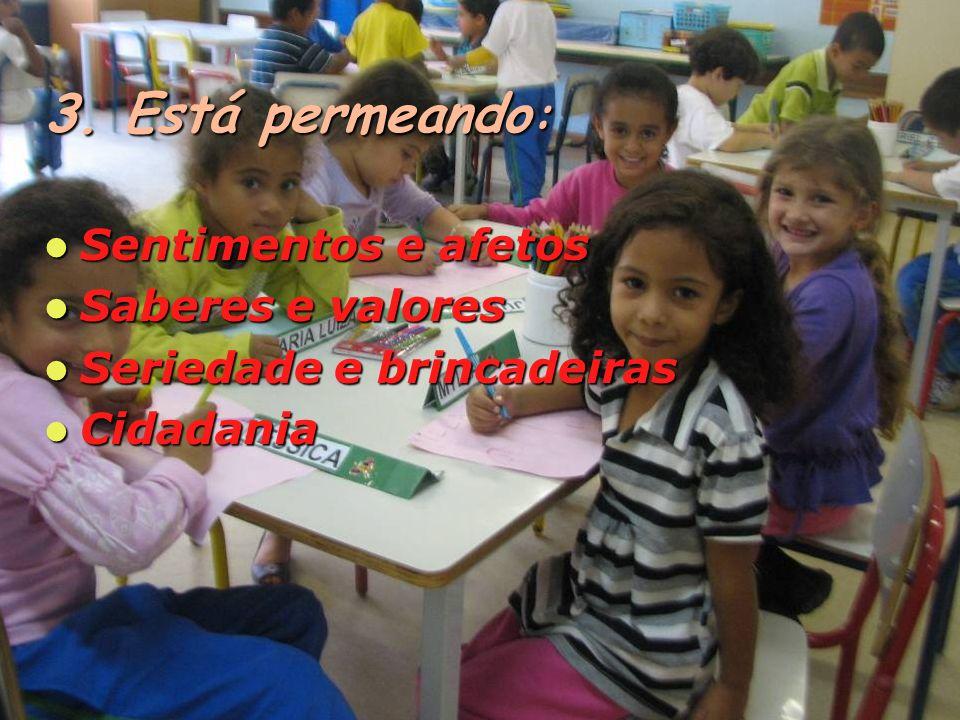 Cinema / Teatro Cinema / Teatro O CEU é um espaço privilegiado de possibilidades para ampliar o repertório cultural da criança.
