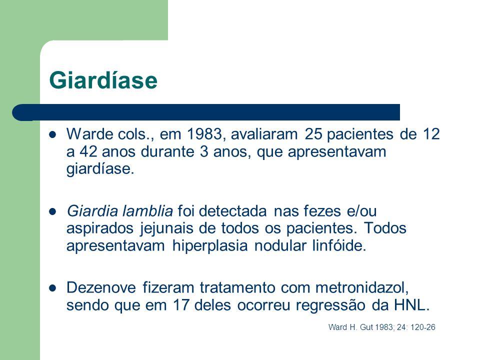 Giardíase Warde cols., em 1983, avaliaram 25 pacientes de 12 a 42 anos durante 3 anos, que apresentavam giardíase. Giardia lamblia foi detectada nas f
