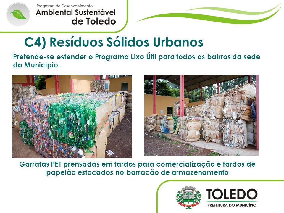 Garrafas PET prensadas em fardos para comercialização e fardos de papelão estocados no barracão de armazenamento C4) Resíduos Sólidos Urbanos Pretende