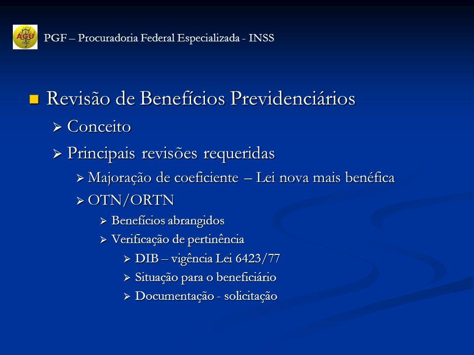 Revisão de Benefícios Previdenciários Revisão de Benefícios Previdenciários Buraco Negro Buraco Negro Conceito Conceito Base legal – art 144, lei 8213/91 Base legal – art 144, lei 8213/91 Revisões Revisões Revisão art 58 – ADCT – CF/88 Revisão art 58 – ADCT – CF/88 Os benefícios de prestação continuada, mantidos pela previdência social na data da promulgação da Constituição, terão seus valores revistos, a fim de que seja restabelecido o poder aquisitivo, expresso em números de salários mínimos, que tinham na data da sua concessão...