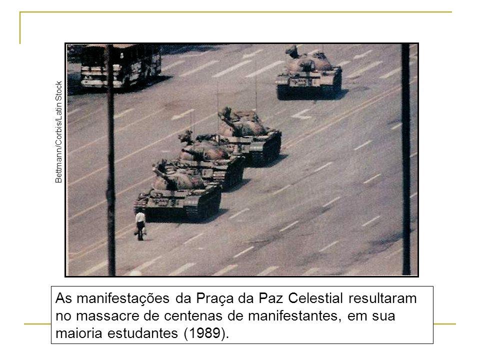 As manifestações da Praça da Paz Celestial resultaram no massacre de centenas de manifestantes, em sua maioria estudantes (1989). Bettmann/Corbis/Lati